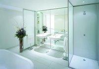 Łazienka, szkło białe lakierowane